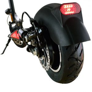 black-trotti-scooter-back-wheel-web (2)